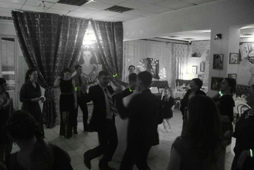 Зажигательная свадьба у Сергея и Вероники в стильном кафе [club66007618 @vintage19cafe] 10.02.17 г. Черногорск! - фото 15747692 Ведущий Серж Morozov
