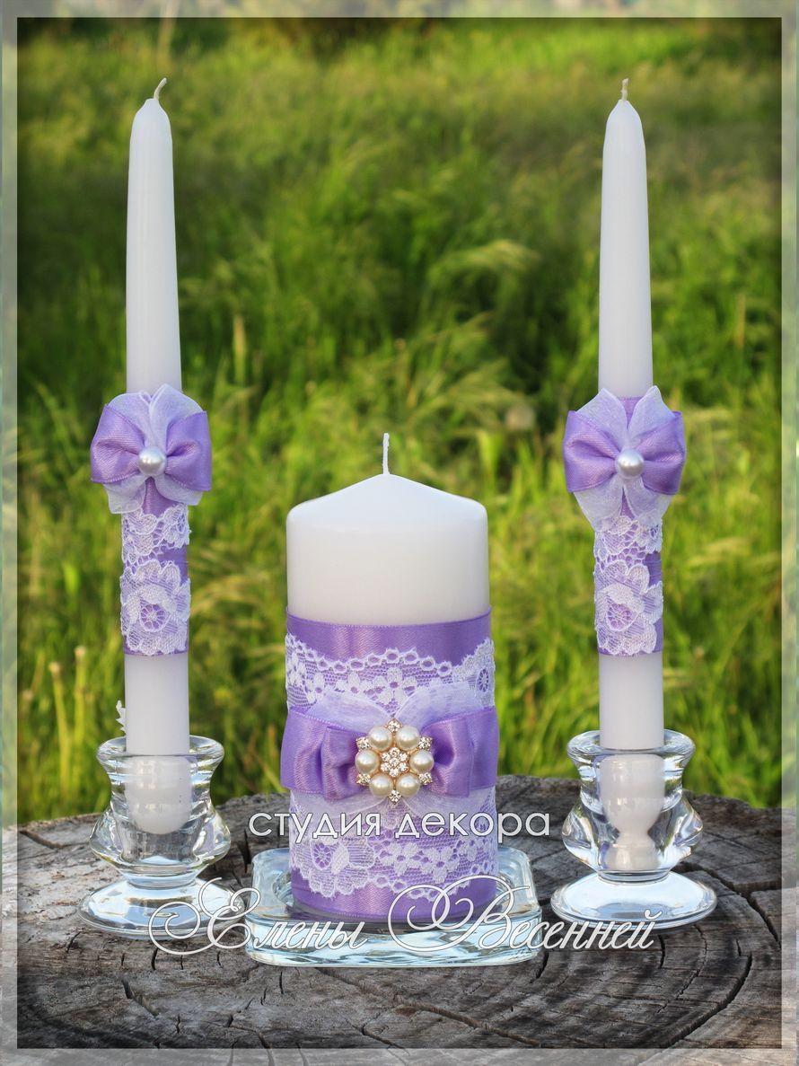 Набор свечей в сиреневом цвете