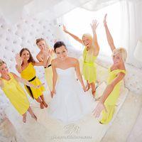 Желтая свадьба подружки невесты на свадьбе