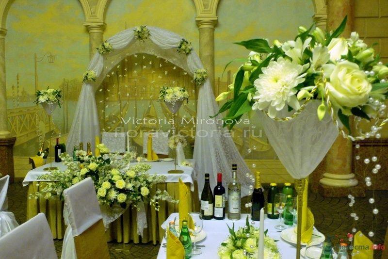 Свадебная арка и украшение столов - фото 29410 Cвадебная флористика и декор событий FloraVictoria