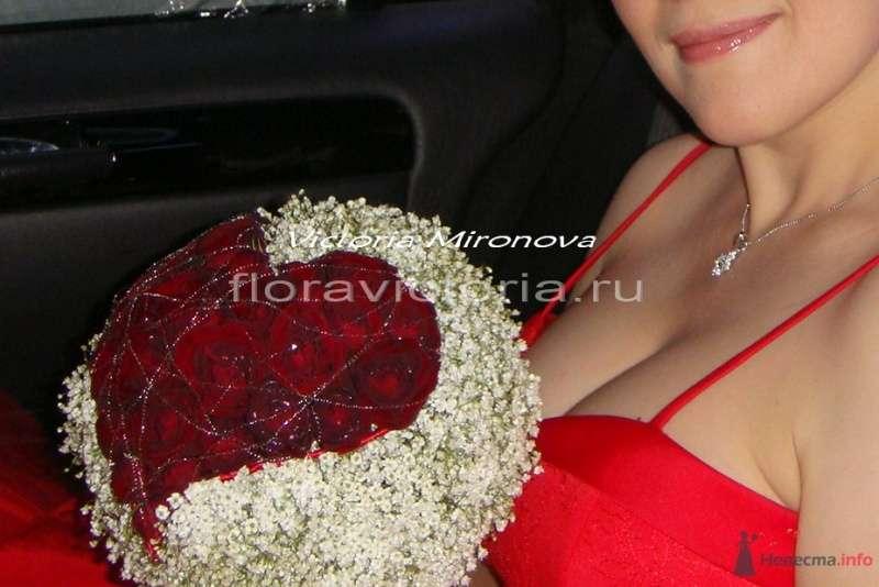 Букет невесты с сердцем из роз - фото 36292 Cвадебная флористика и декор событий FloraVictoria