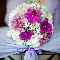 День свадьбы 31 и букет невесты из сиреневых орхидей, белых астр и эустом