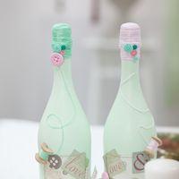 Свадебные аксессуары. Свадебное шампанское для мятно-розовой пуговичной свадьбы
