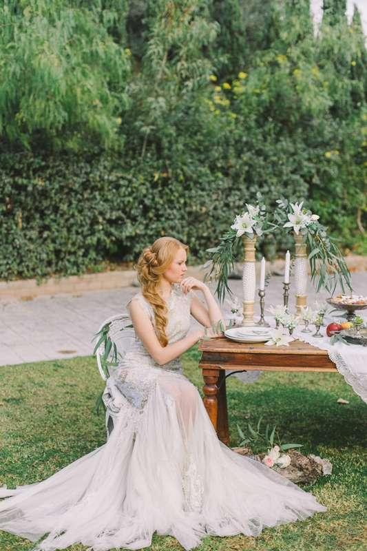 "Photo :  Dress : Achilleas Taktikos  Wedding planner : WedinGreece  MUAH :Irina Smaragda  Floral Design: Alisa Sitaridi  - фото 8934144 Греческое свадебное агентство ""WedInGreece"""
