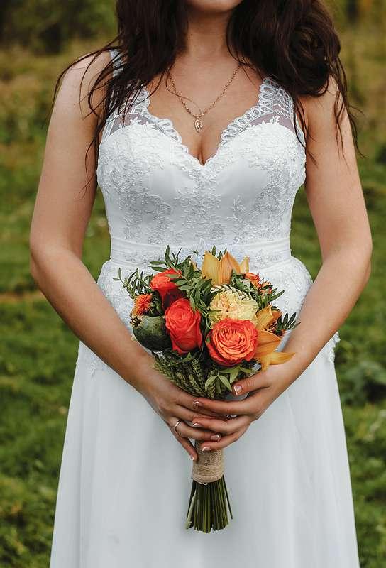 Планируешь свадьбу в 2018 году? Не знаешь как выбрать букет невесты? Я рада тебе в этом помочь!!! С огромным удовольствием создам букет твоей мечты!  Осенний букет и сопровождение фотосессии для прекрасной невесты Марии. - фото 16949198 Флорист Anna Zverkova