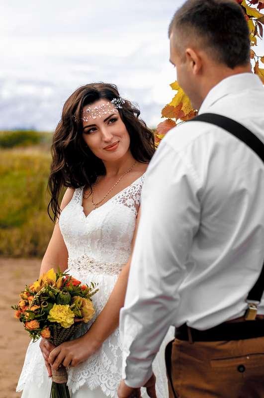 Планируешь свадьбу в 2018 году? Не знаешь как выбрать букет невесты? Я рада тебе в этом помочь!!! С огромным удовольствием создам букет твоей мечты!  Осенний букет и сопровождение фотосессии для прекрасной невесты Марии. - фото 16949218 Флорист Anna Zverkova