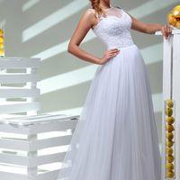 Василиса. Платье БЕЗ рукава, со шлейфом. Однотонное белое айвори. 12000