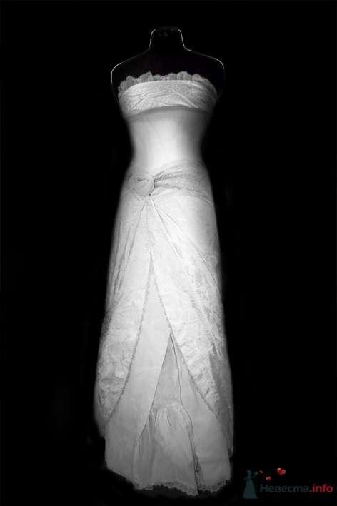 платье из разных оттенков белого и четырех разных тканей. - фото 59566 Белошвейка