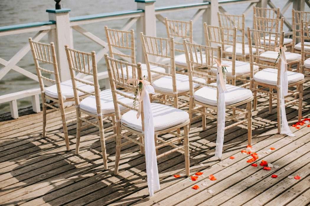 """Оформление стульев для гостей - фото 16378482 Studio decor-design """"Yulianna"""""""