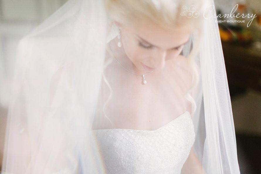 """Фото:Вероника Кромбергер Видео:CHERNOVFILM  Стилист:Динара Светашева Букет невесты:Цветочный СТИЛЬ Платье невесты:Салон свадебной моды """"Матримонио"""" - фото 16454790 Event-boutique Cranberry"""