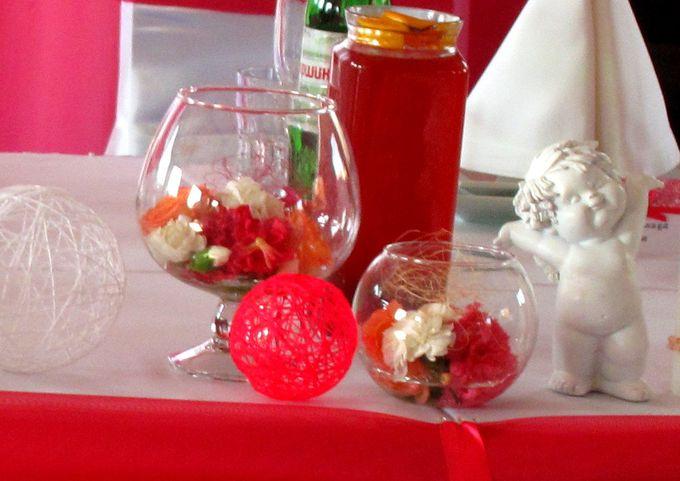 вазы с цветами для бюджетной свадьбы