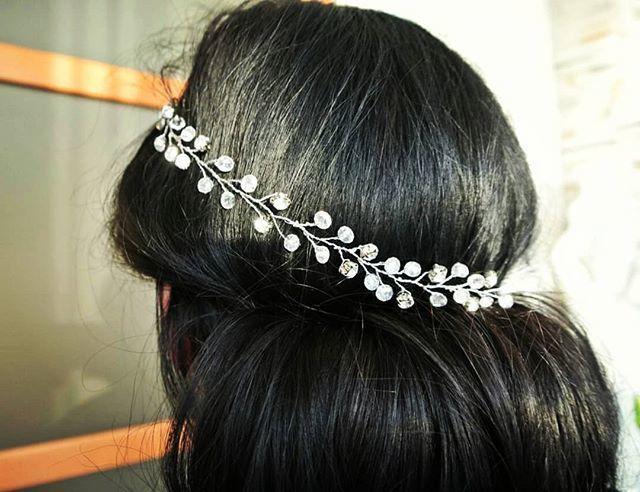 Веточка для волос