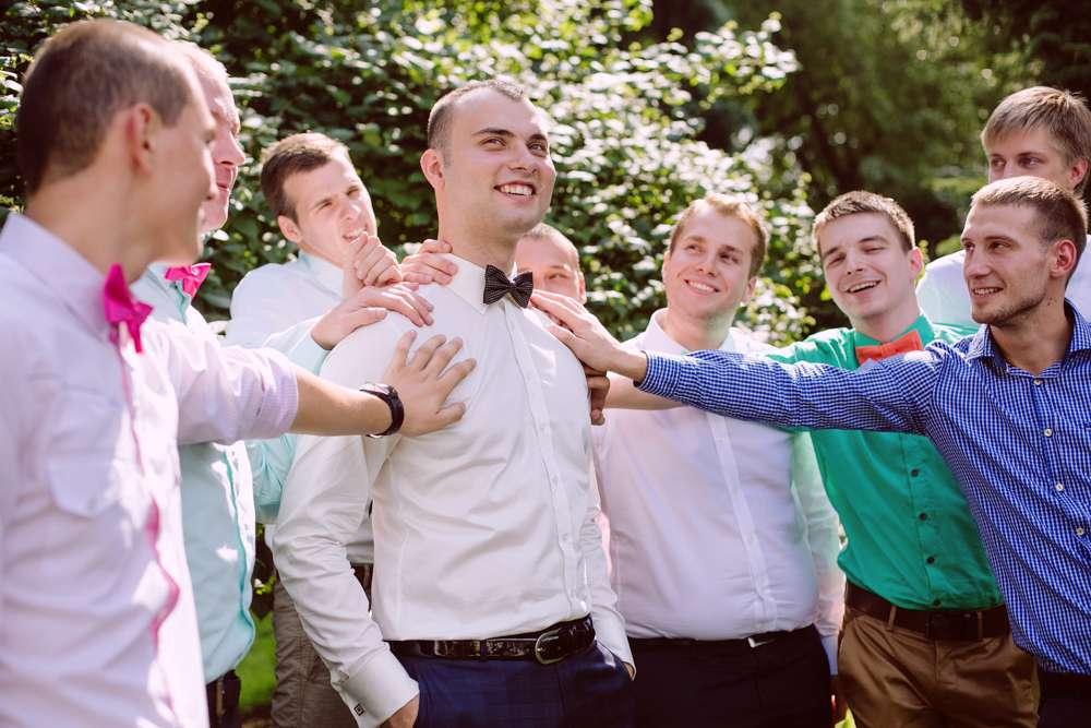 свадебные фото с друзьями жениха адаптируются обучающей среде