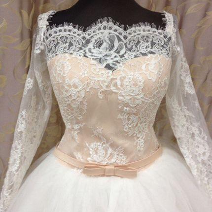 Свадебное платье пастельного цвета