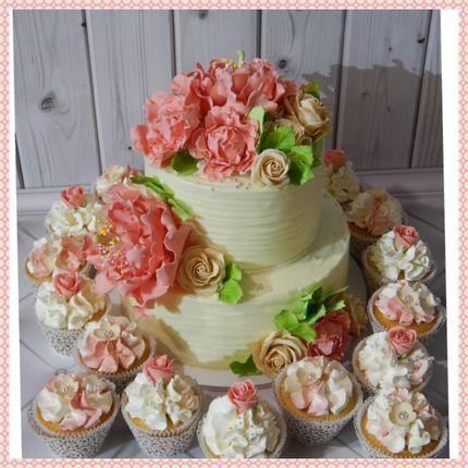 Свадебный кремовый торт 2