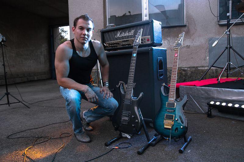 Гитарист на праздник