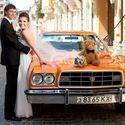 Оранжевый ретро-форд для свадебного кортежа