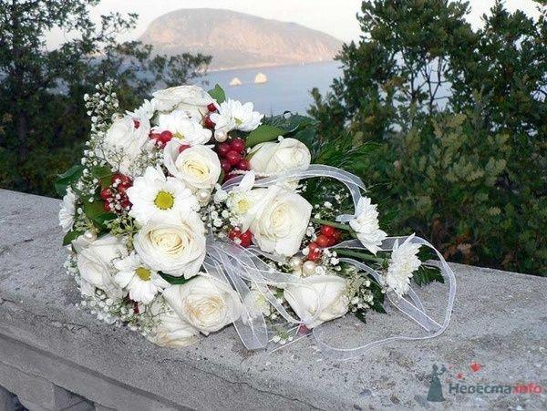 Романтика. Букет невесты из белы роз и белых ромашек - фото 47091 Симба