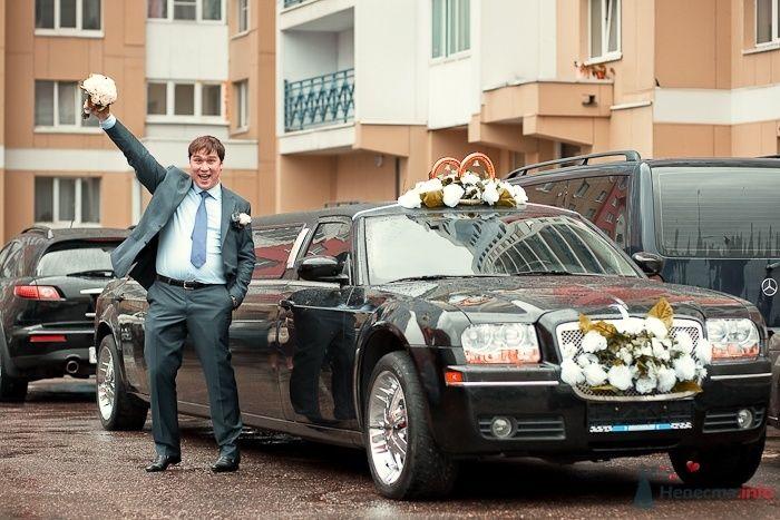 Встреча жениха и невесты, свадебный лимузин - фото 37672 Фотограф Владимир Будков