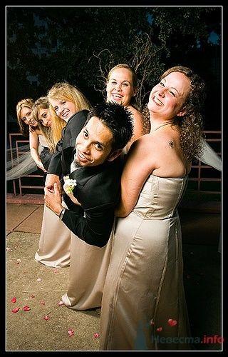 Жених на растярзании подружек невесты :) - фото 4889 Свадебный распорядитель - Бедрикова Оксана