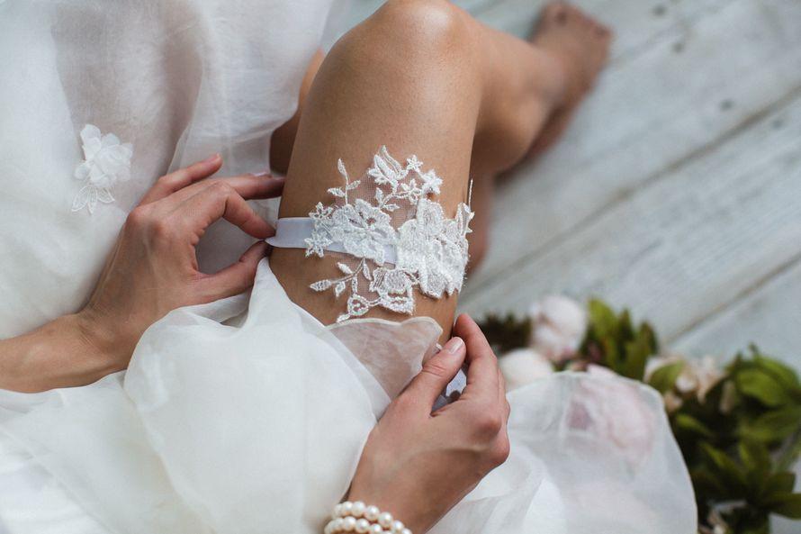 Подвязка 890 р. Цвет айвори. - фото 17178684 Svetochek wedding - мастерская аксессуаров