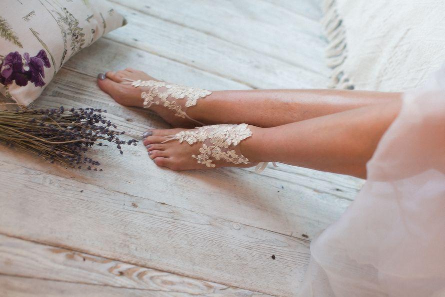 Украшение на ногу 1200 р. Подойдет для утра невесты, делает подъем ножки элегантным и женственным. - фото 17178702 Svetochek wedding - мастерская аксессуаров