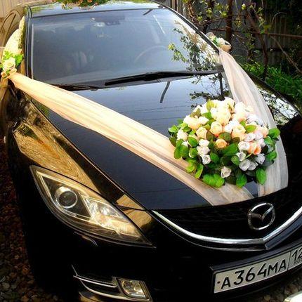 Оформление машины - комплект Бежевый с круглой клумбой из роз