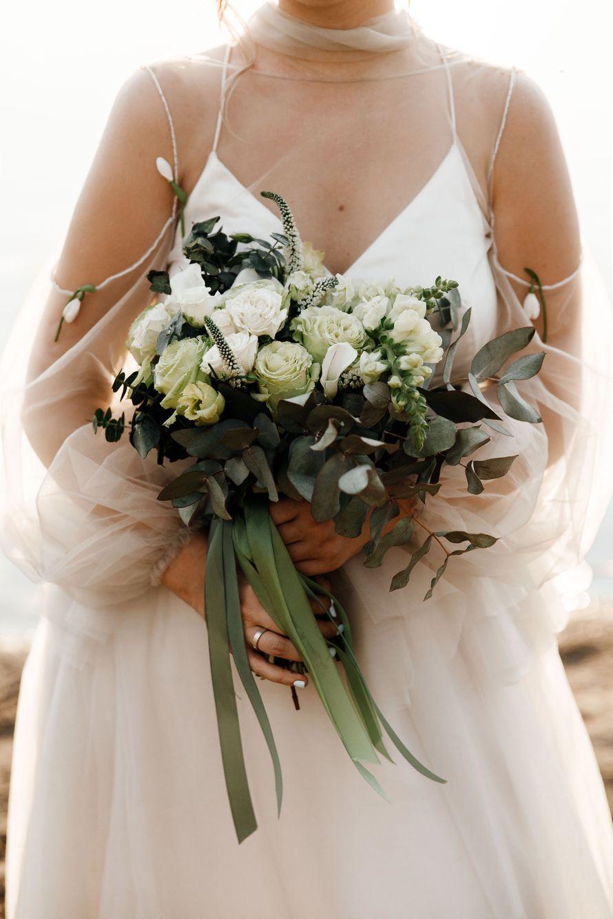 Букет невесты + бутоньерка + ваза под букет