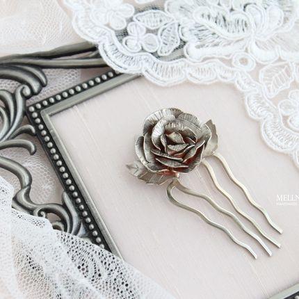 Миниатюрный гребень для волос с розой