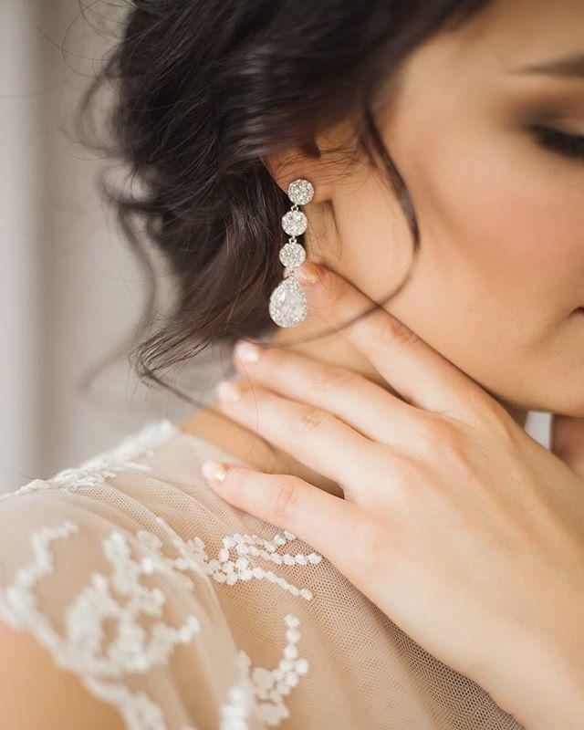 Свадебные серьги с цирконами. Металл не темнеет. Стоимость 1200 руб. - фото 17549136 Екатерина Захарова - украшения для волос