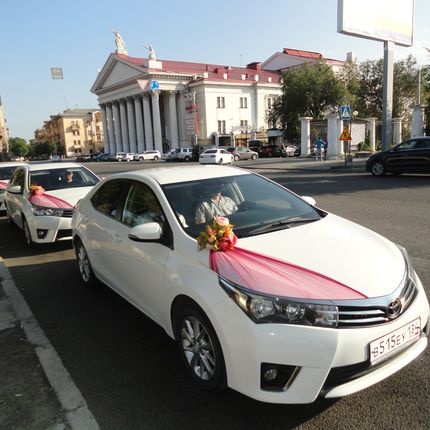 Аренда свадебного кортежа Toyota Corolla