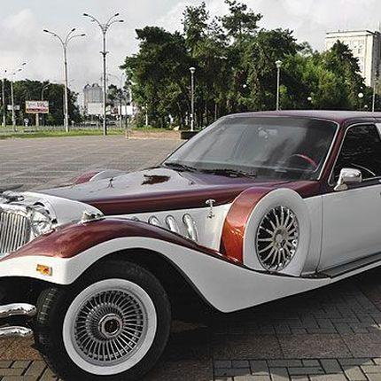 034 Лимузин ретро Excalibur бело-бордовый