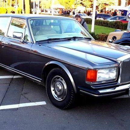 098 Ретро автомобиль ROLLS-ROYCE 1984