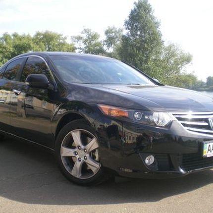 145 Honda Accord черная прокат, 1 час