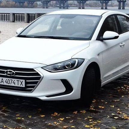 167 Hyundai Elantra 2018 белая аренда, 1 час