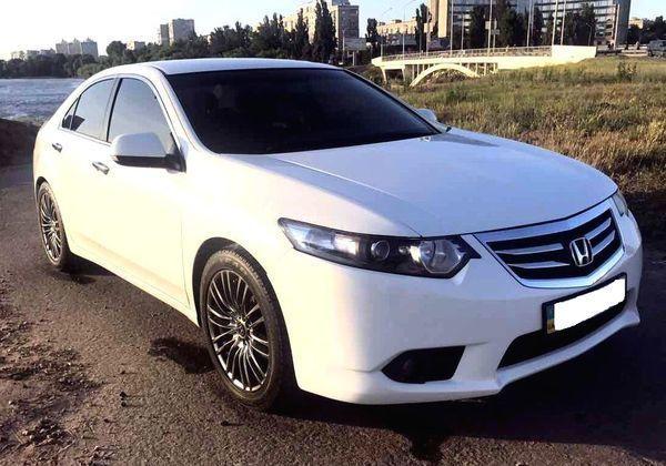 146 Honda Accord белая в аренду