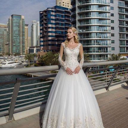 Свадебное  с дорогим декором