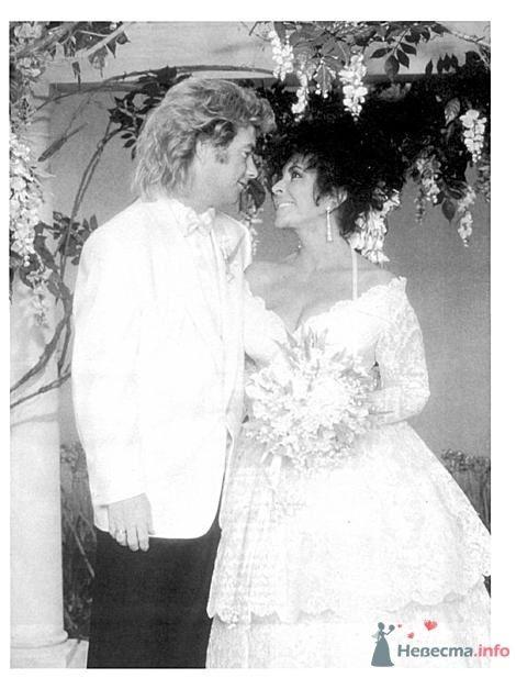 Лиз Тейлор и её муж №8 -  очаровашка Ларри Фортенски - фото 56047 Incognito