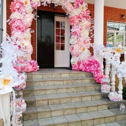 Цветочная арка в аренду