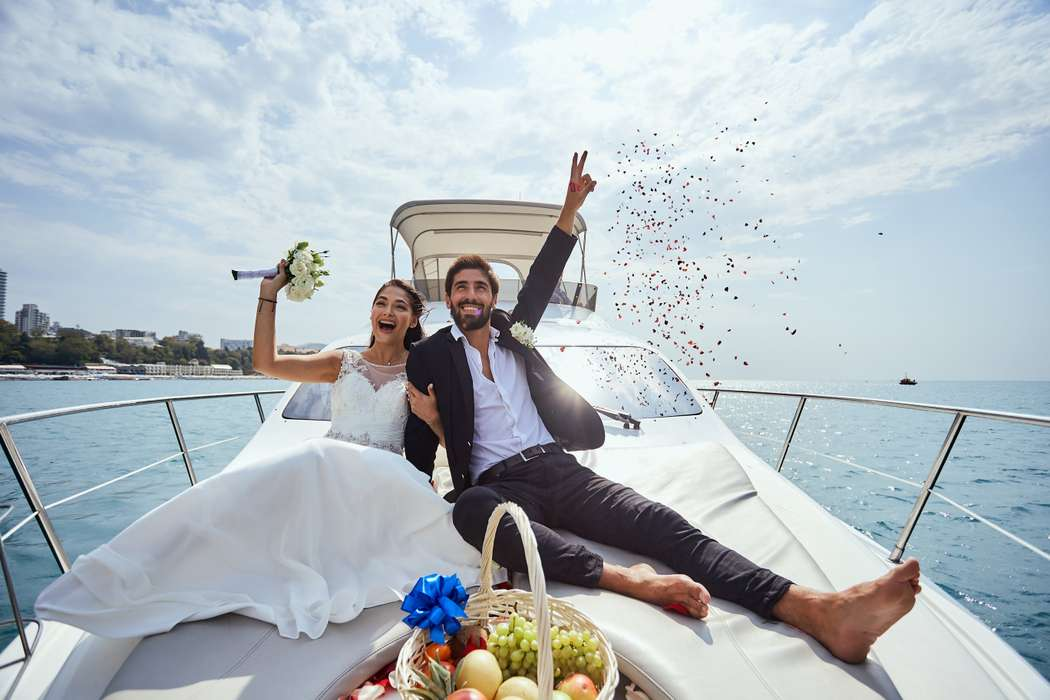 Свадьба в Сочи на яхте - фото 17898568 Яхты Сочи - аренда транспорта