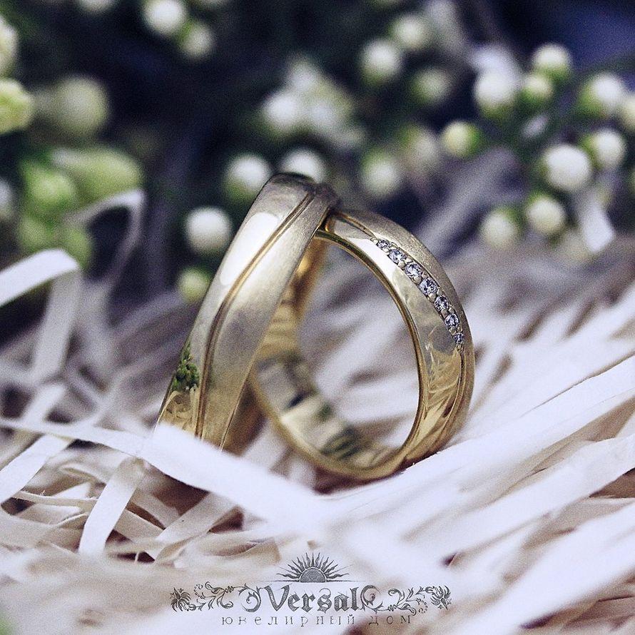 Парные обручальные кольца с золота