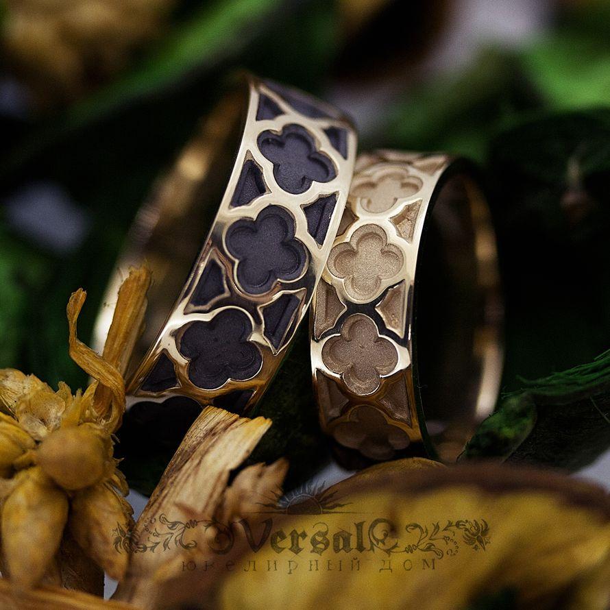Парные обручальные кольца необычные