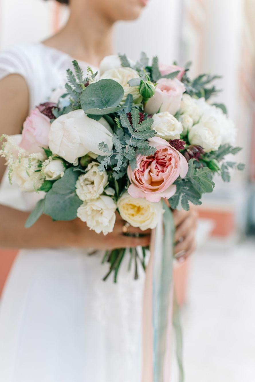 Букет невесты на август
