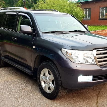 Аренда Toyota Land Cruiser 200 в аренду