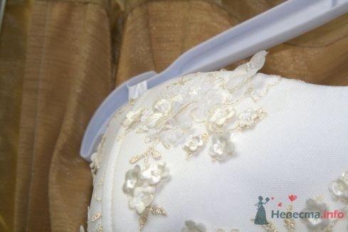 Фото 57339 в коллекции Свадьба: примерка платья - Невеста01
