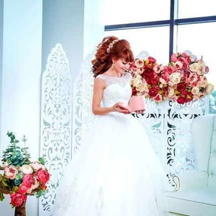 Платье А-силуэта в цвете айвори расшитое стеклярусом