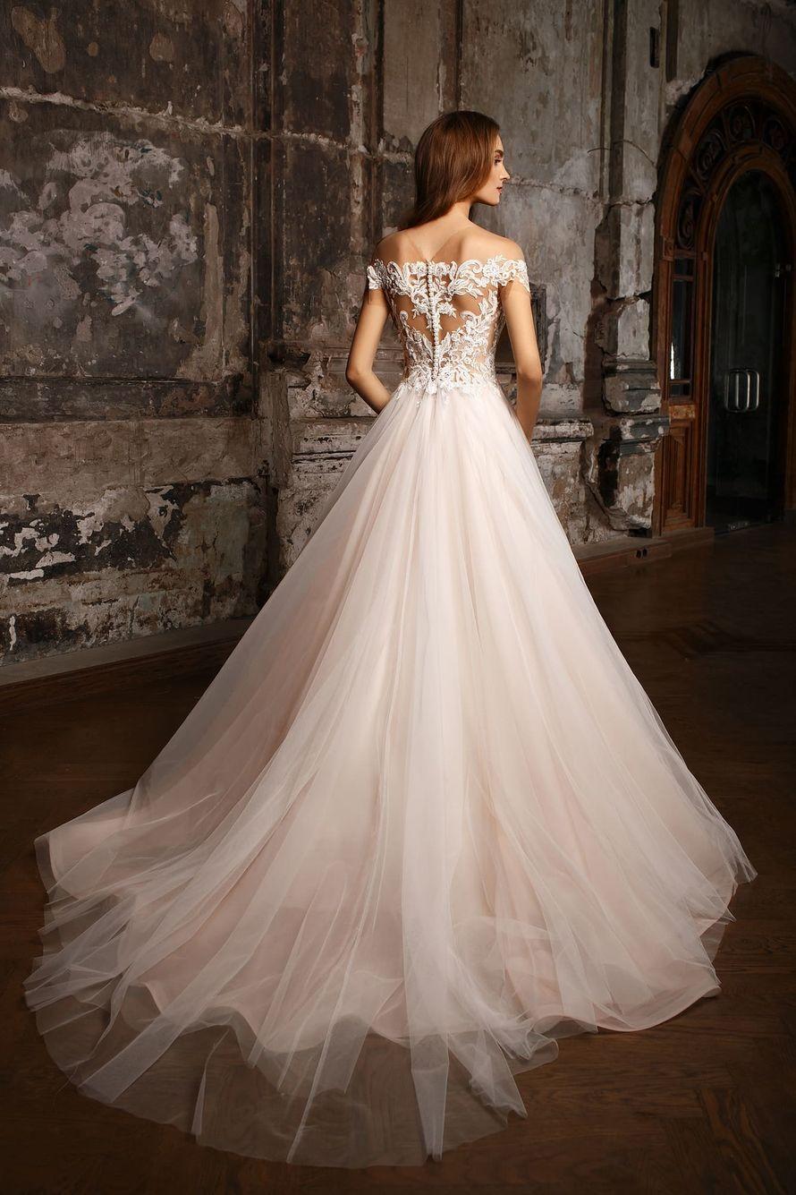 Фото 19018158 в коллекции NATALIA ROMANOVA - Салон свадебной и вечерней моды Фея