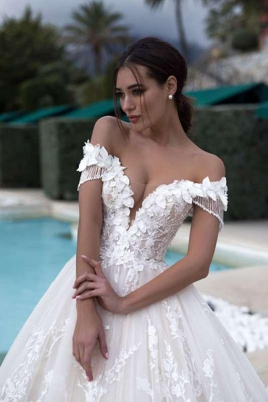 Фото 19018176 в коллекции lussano - Салон свадебной и вечерней моды Фея