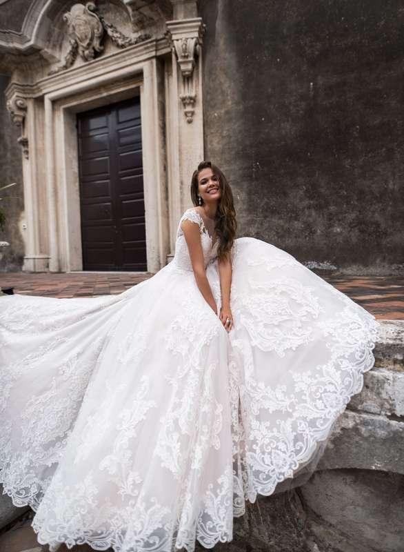 Фото 19018200 в коллекции lussano - Салон свадебной и вечерней моды Фея