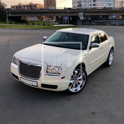 №9 Седан Chrysler 300C в аренду